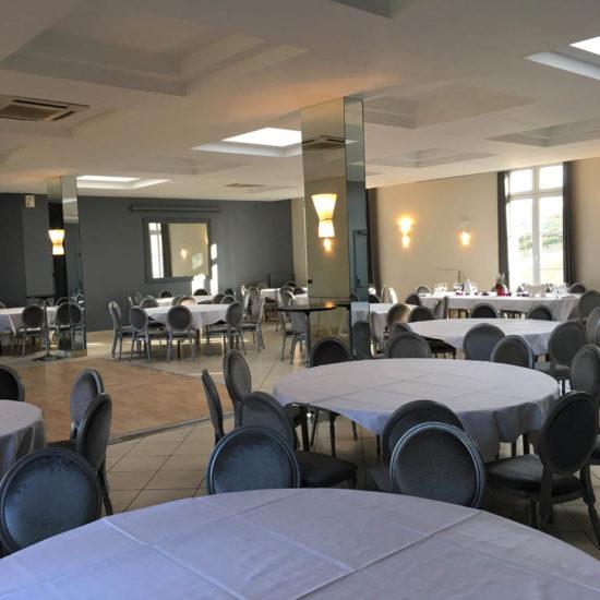 lieu réceptions proche Paris : une salle de grande capacité pour vos réunions plénières, conférences, ou événements privés